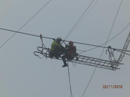 Prévention des risques électriques : Des Sapeurs-Pompiers se sont entrainés avec les équipes de RTE le 22 novembre à Caumont.